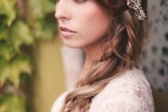 Jillian-Bridals-Natural-looking-makeup-and-side-pony-hairstyle